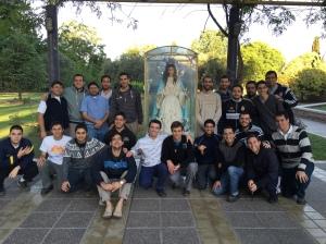Seminaristas despidiendo a la Virgen Purisima, que peregrina por todas las parroquias de Guaymallen, Mendoza.